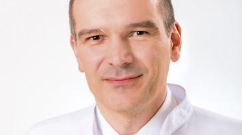 Dr Daniel Leszczyński